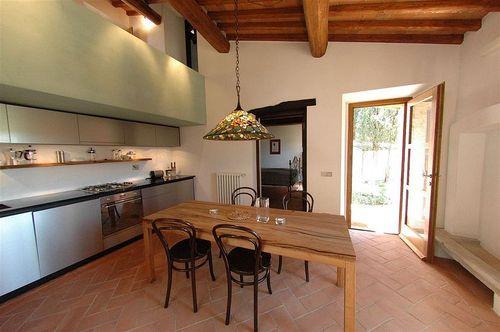 ferienhaus bellini galenda toskana urlaub in gaiole in chianti siena toskana italien. Black Bedroom Furniture Sets. Home Design Ideas