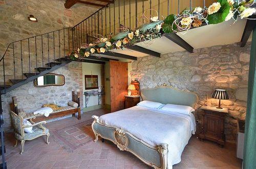 Ferienhaus sant 39 alberto toskana urlaub in campiglia d for Holztisch mit marmorplatte