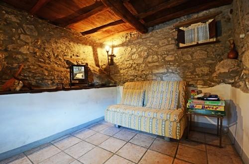 ferienhaus veneranda toskana urlaub in pescaglia lucca toskana italien. Black Bedroom Furniture Sets. Home Design Ideas