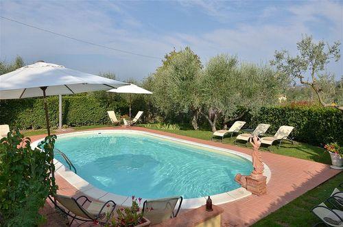 Ferienhaus antica sosta toskana urlaub in for Ovaler pool zum aufstellen